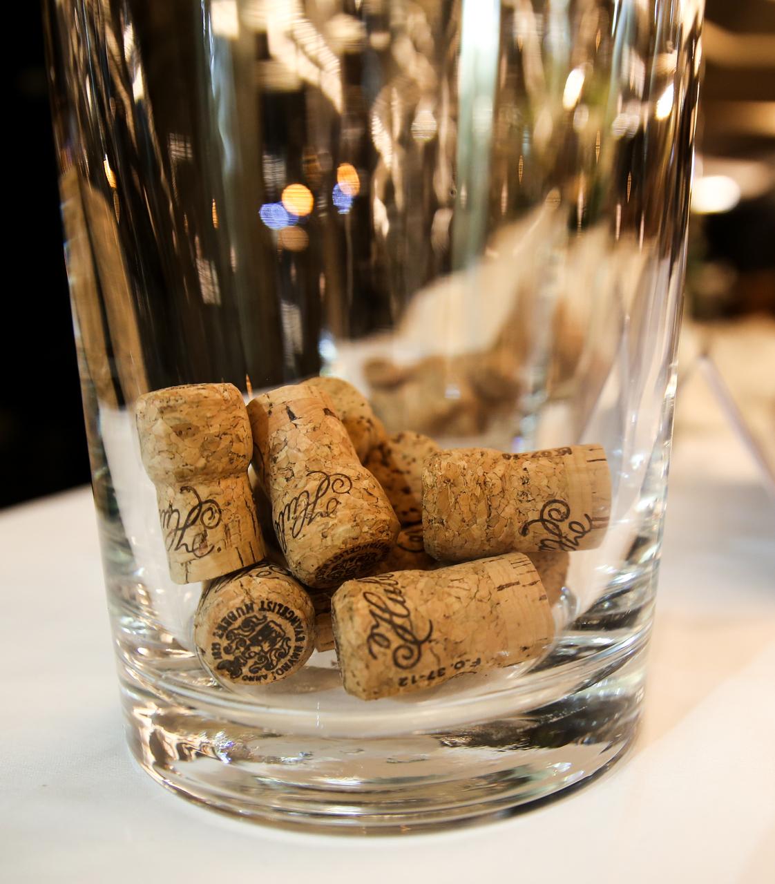 Hubert J.E. podporí vinársku školu v Modre